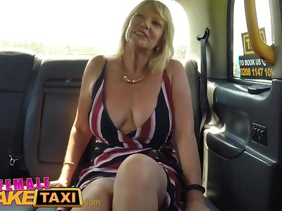 Doll Fake Taxi Blonde milf cums on sexy redheads tongue