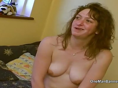 Ugly council estate slut willing to do buttfuck on camera