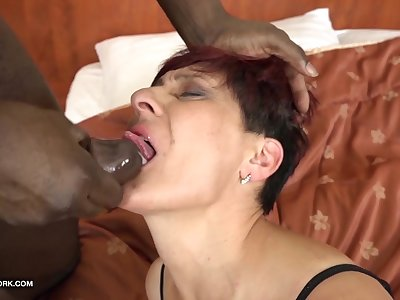Grannies Hardcore Penetrated Multiracial Porn with Old Women loving Black Spunk-pumps