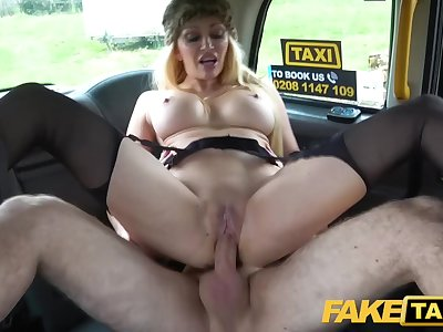 Busty blonde MILF Amber Jayne sucks and fucks big taxi pecker