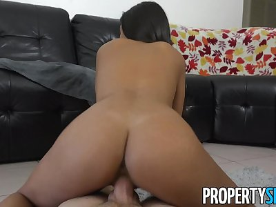 PropertySex - Real estate stunner mixing business with pleasure