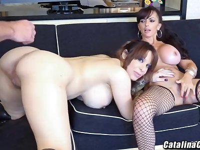 Catalina Cruz live threesome with Alyssa Lynn on webcam