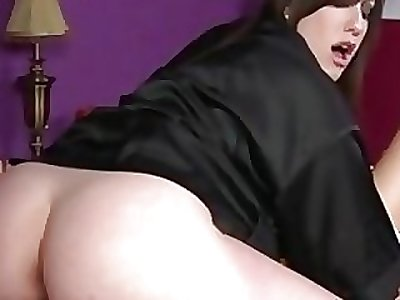 Goth masseur gets pussy ate at the end of one's tether client